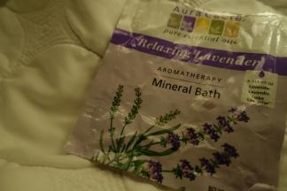 Aura Cacia Lavender Minera Bath Aromatherapy